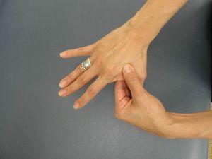 самомассаж кисти рук