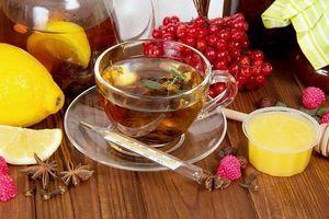 травяной чай, мед, калина и лимон