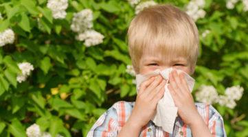 аллергический насморк у мальчика