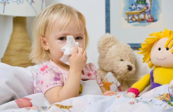 простудный насморк у девочки